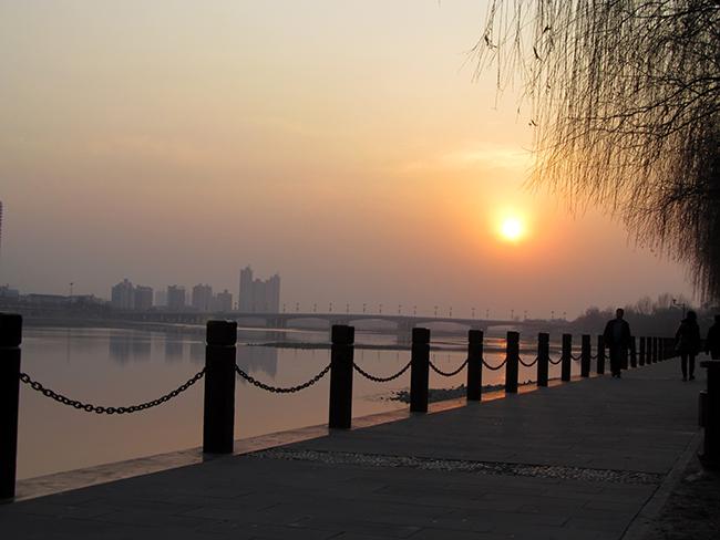 一个人走走停停,一个人的夕阳西下